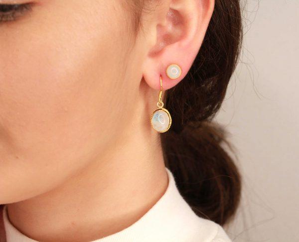 maansteen goud verguld oorbellen
