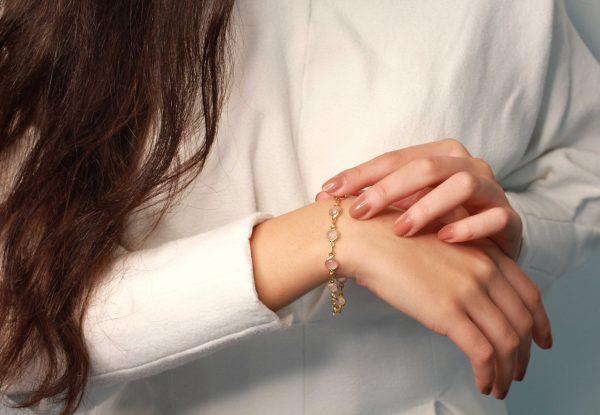 rozenkwarts gouden armband