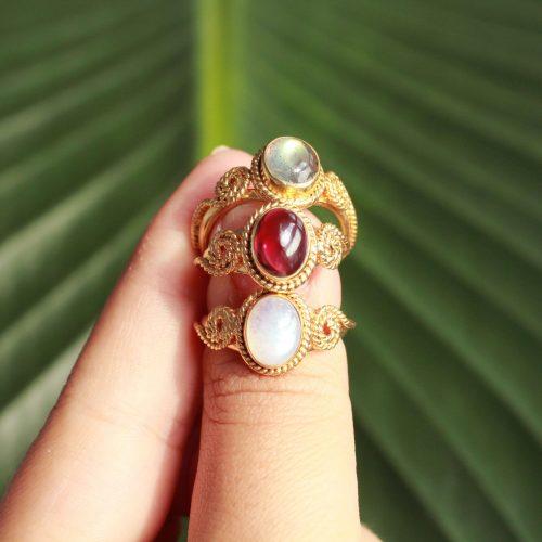 gouden edelsteen ringen